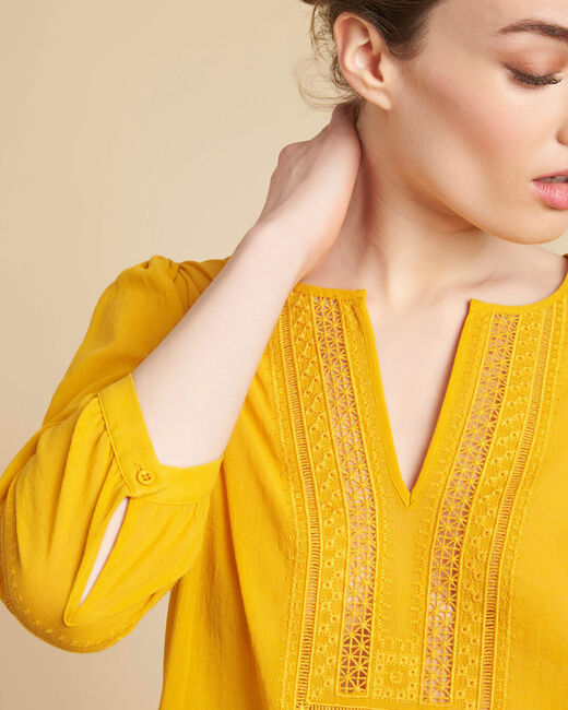 Gabi yellow blouse with lace at the neckline (1) - 1-2-3