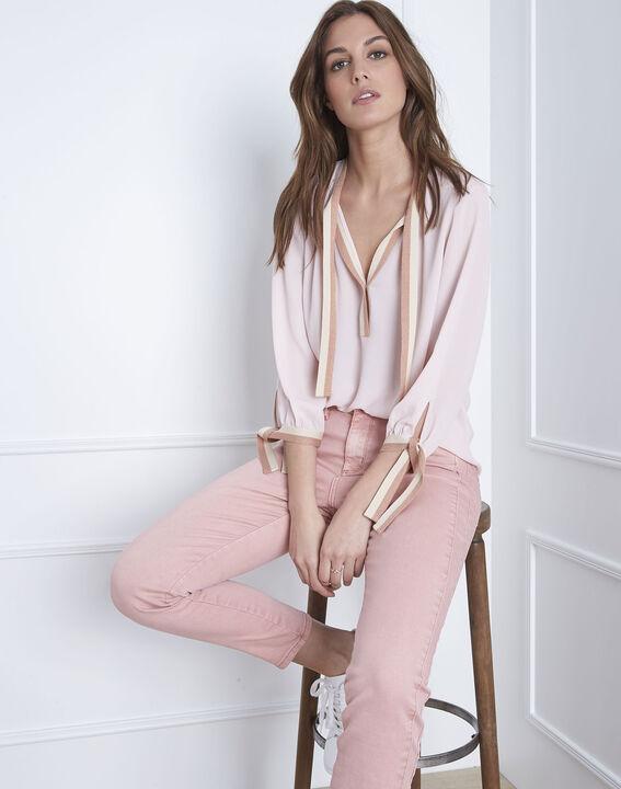 Blassrosa Bluse mit kontrastfarbenen Details Vicky (1) - Maison 123