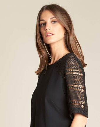 Gastel black lace top black.