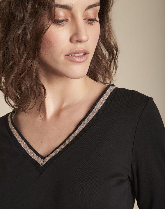 Tee-shirt noir encolure V fantaisie Calypso PhotoZ | 1-2-3