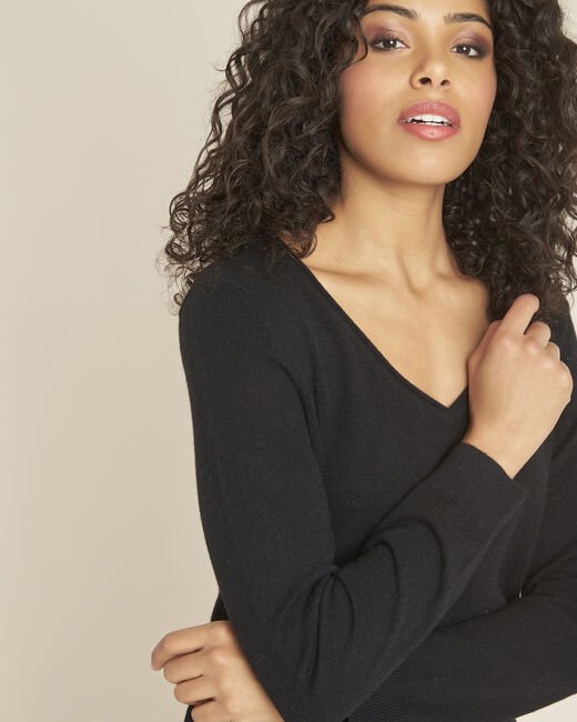 Pivoine black V-neck sweater in cashmere (1) - 1-2-3