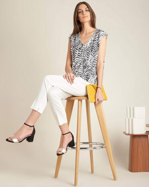 Miledine ethnic print blouse with V-neckline (1) - 1-2-3
