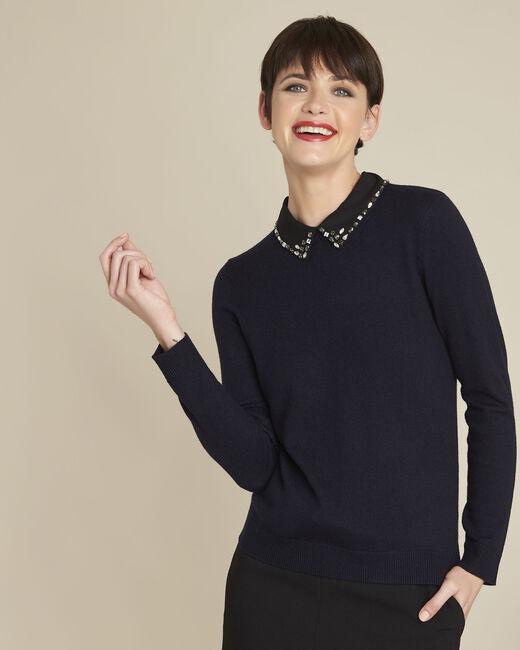 Donkerblauwe trui met claudinekraag en juweel van wol Bijoux (2) - 37653
