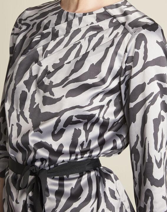 Anthrazitfarbene Bluse mit Zebra-Druckmuster Camomille (3) - 1-2-3