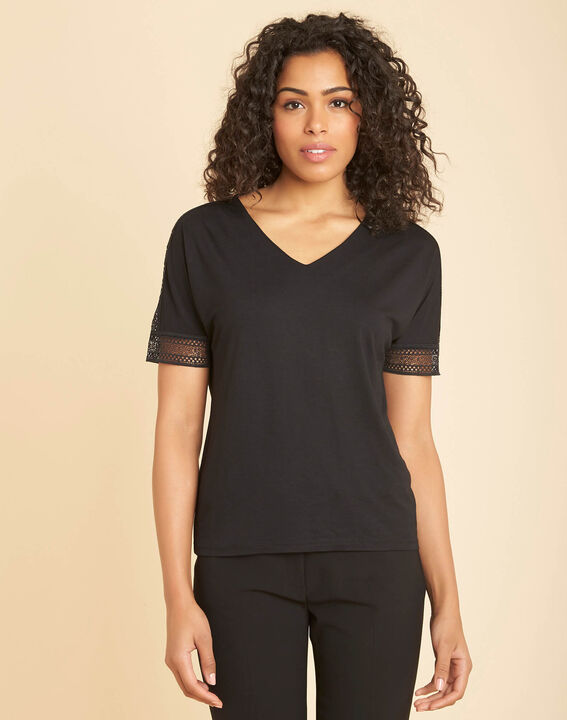 Tee-shirt noire col V à guipure Estelle (3) - 1-2-3