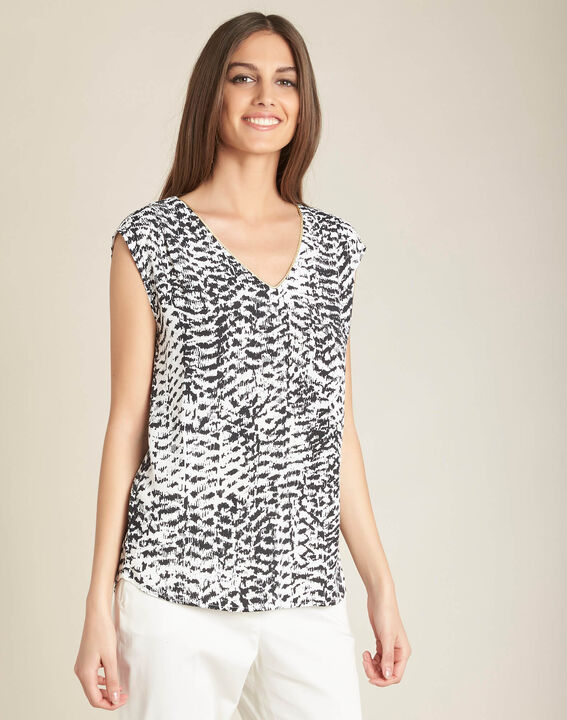 Miledine ethnic print blouse with V-neckline (3) - 1-2-3