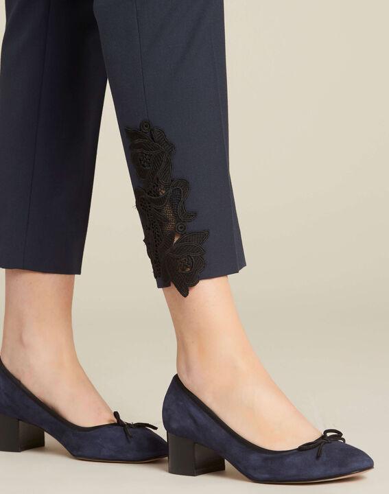 Pantalon de tailleur marine à pinces détails dentelle Valero (1) - 1-2-3