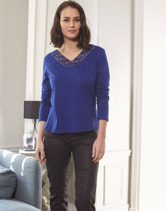 Guipure sapphite blue T-shirt with decorated neckline (1) - Maison 123
