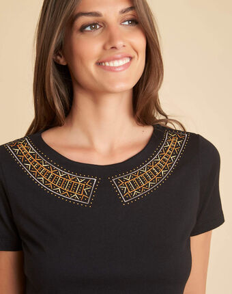 Ethnique black t-shirt with romantic neckline black.