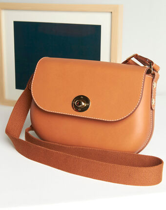 Dao camel leather shoulder bag camel.