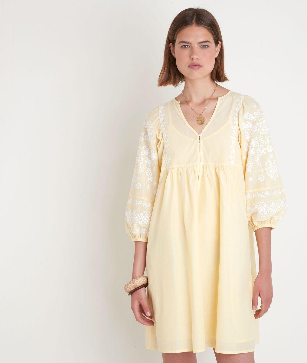 Lichtgele korte jurk met borduurwerk Samantha PhotoZ   1-2-3