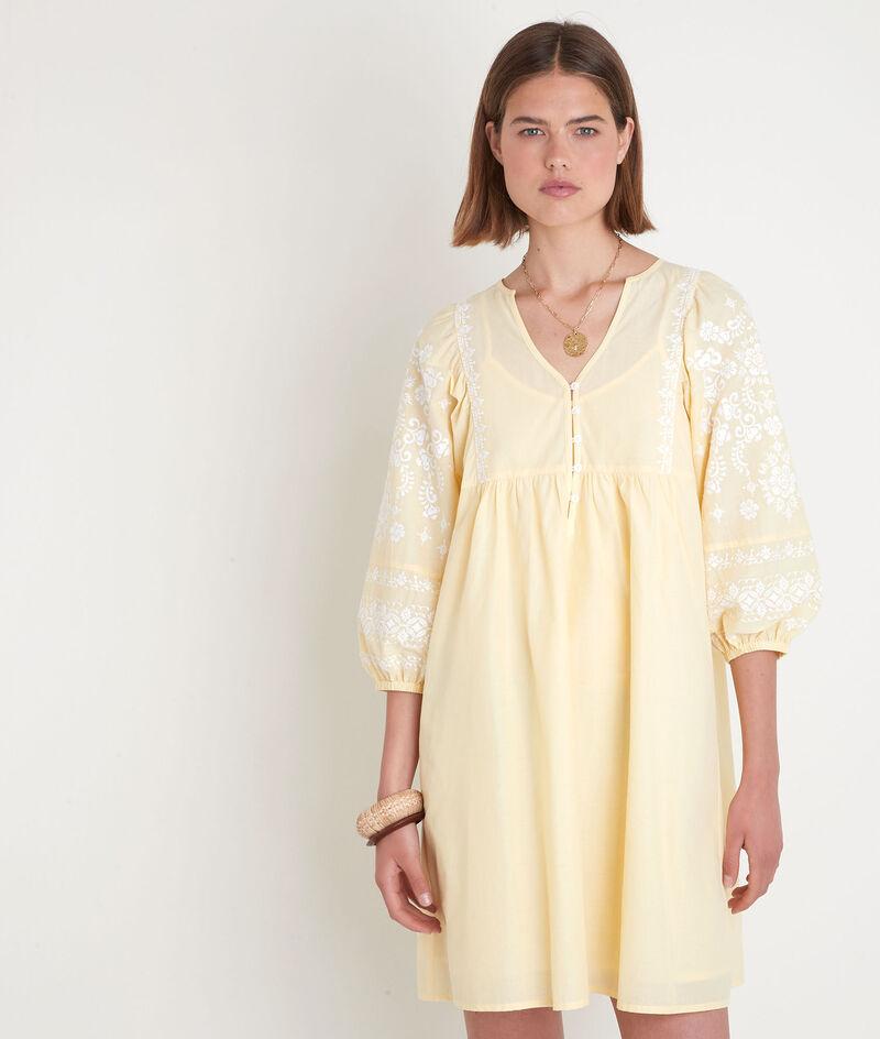 Robe courte brodée jaune pâle Samantha PhotoZ | 1-2-3
