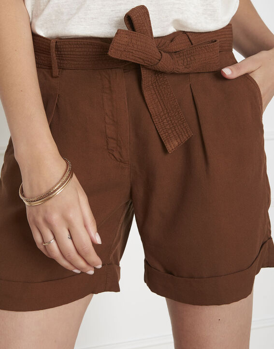 Short marron à revers en tencel Gilda PhotoZ   1-2-3
