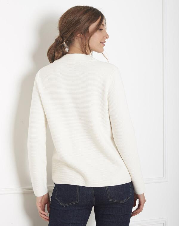 Ecru trui van dun tricot met opstaande kraag Belize (2) - 37653