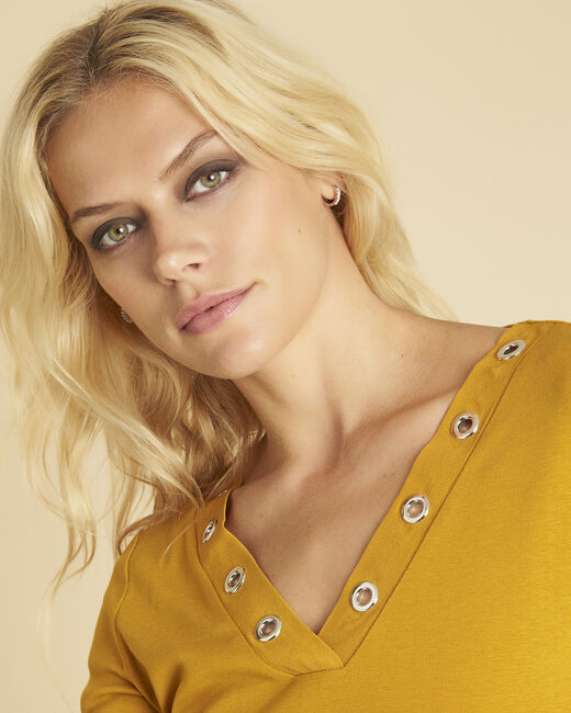 Basic yellow T-shirt with eyelets on the neckline (2) - 1-2-3