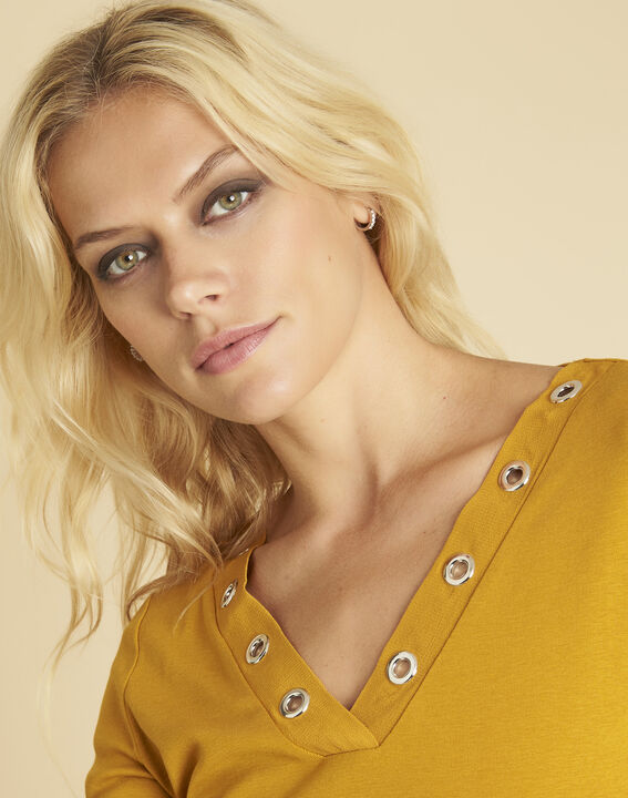 Basic yellow T-shirt with eyelets on the neckline (3) - 1-2-3