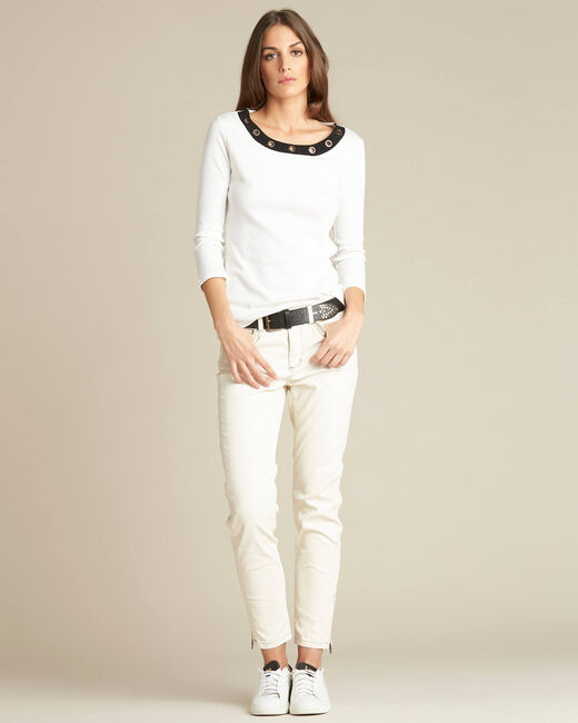 Basic ecru T-shirt with eyelets on the neckline (2) - 1-2-3