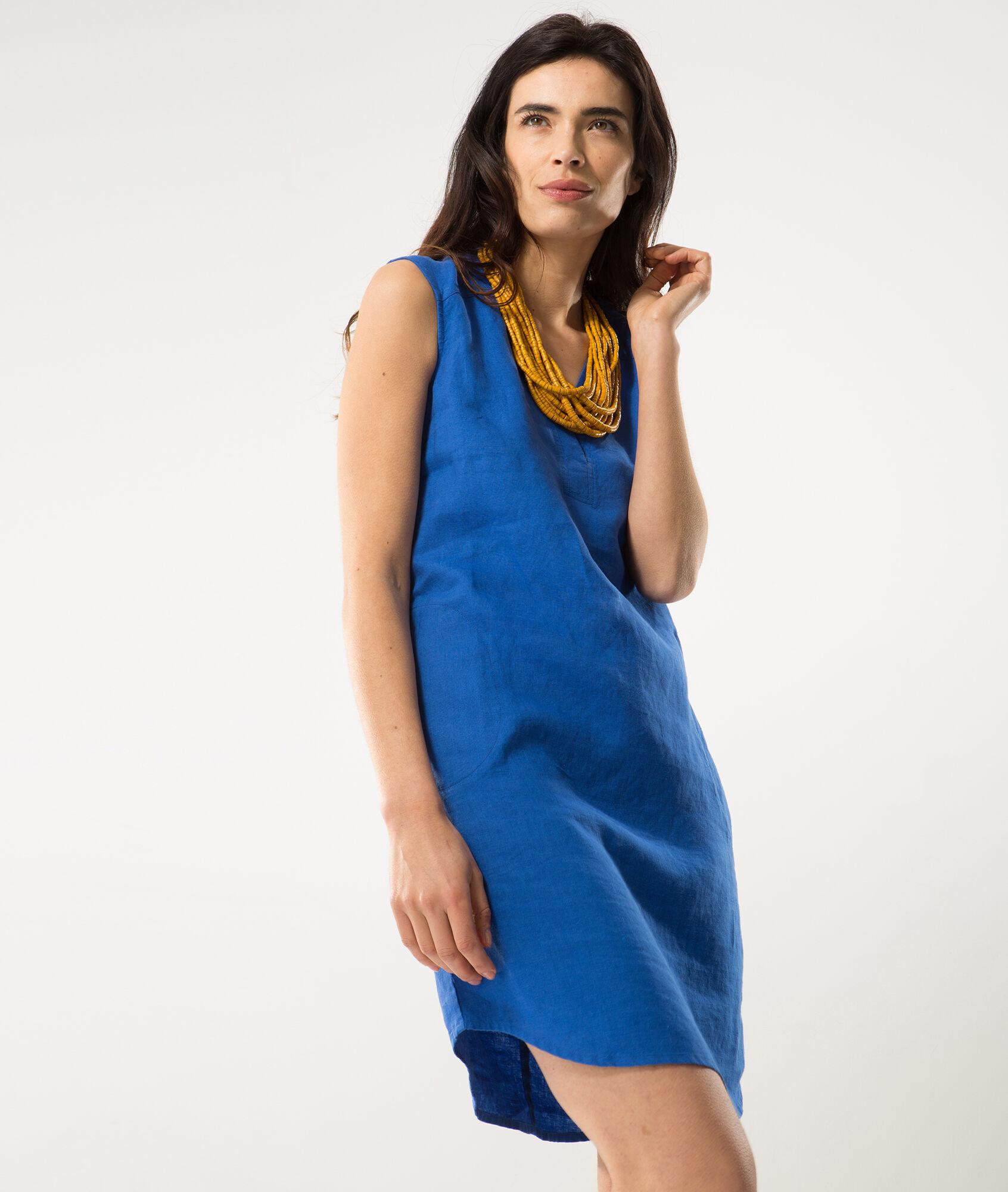 Comment porter une robe bleu roi