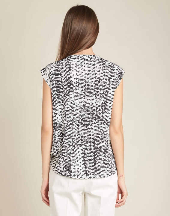Miledine ethnic print blouse with V-neckline (4) - 1-2-3