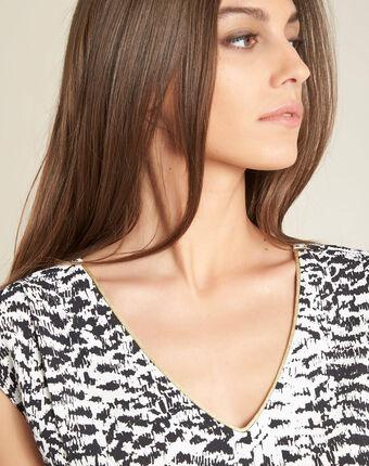 Miledine ethnic print blouse with v-neckline black/white.
