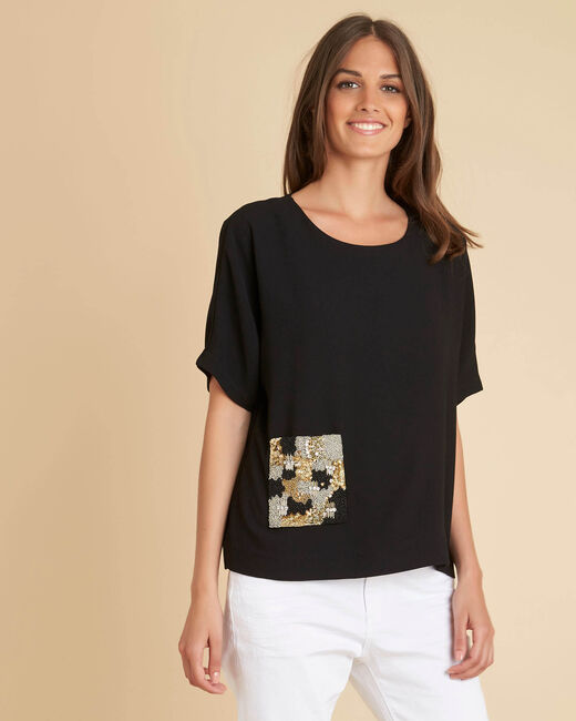 Gwen black T-shirt with beaded pocket (2) - 1-2-3