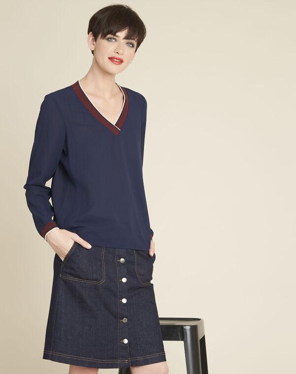 Carmen navy blue blouse with contrasting neckline (1) - 1-2-3