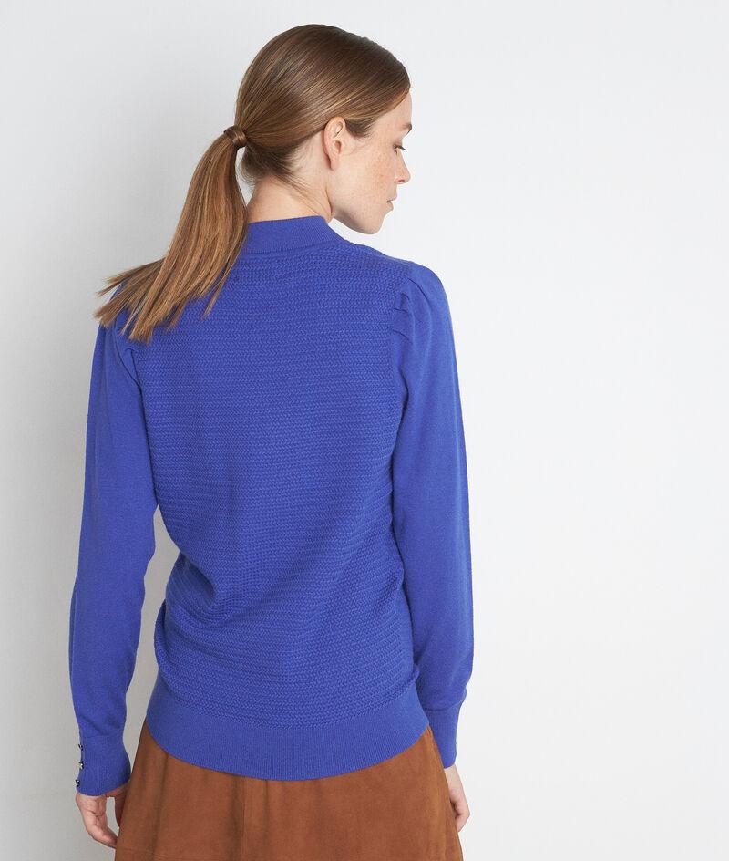 Blauwe getextureerde trui met hoge kraag en schouderplooien Trudy PhotoZ | 1-2-3