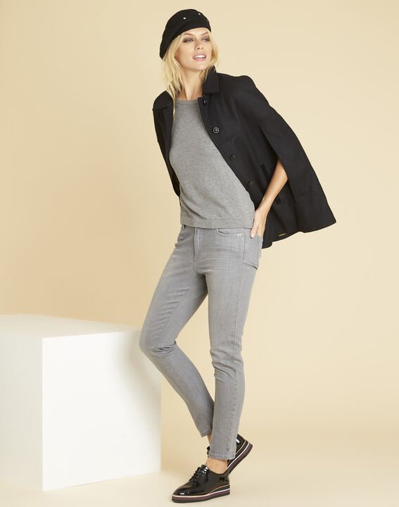 Betty grey sweater with decorative detailing on the shoulders (2) - Maison 123