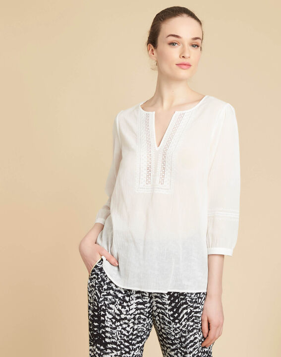 Gabi ecru blouse with lace at the neckline (3) - 1-2-3
