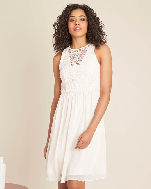Poederkleurige jurk met kanten halsopening Ibiza (2) - 37653