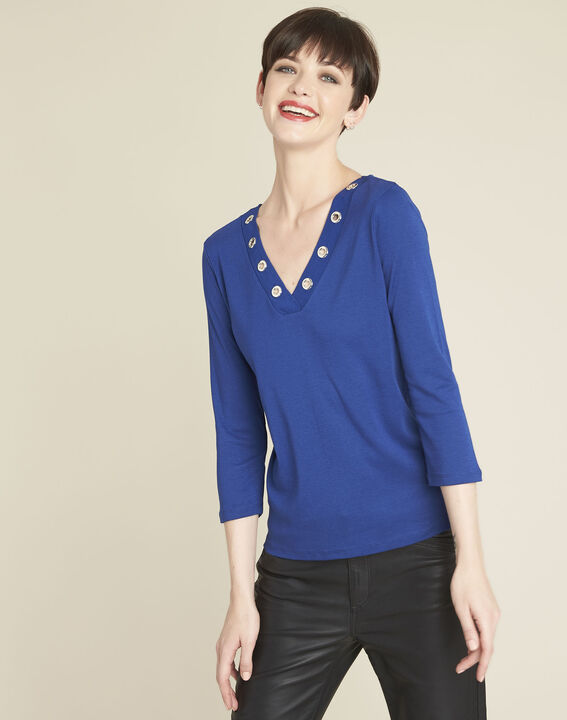 Basic blue t-shirt with V-neck eyelet neckline PhotoZ | 1-2-3
