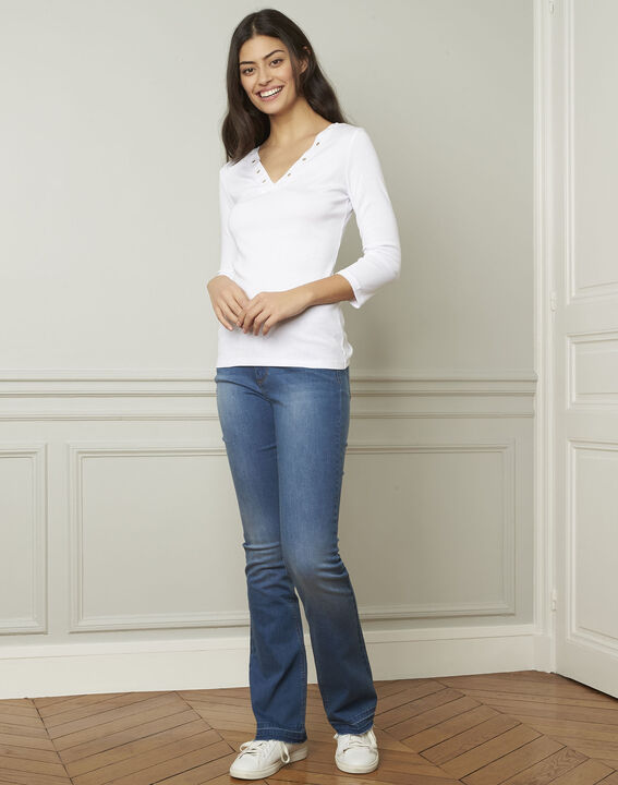 Basic white T-shirt with V-neck eyelet neckline (2) - 1-2-3