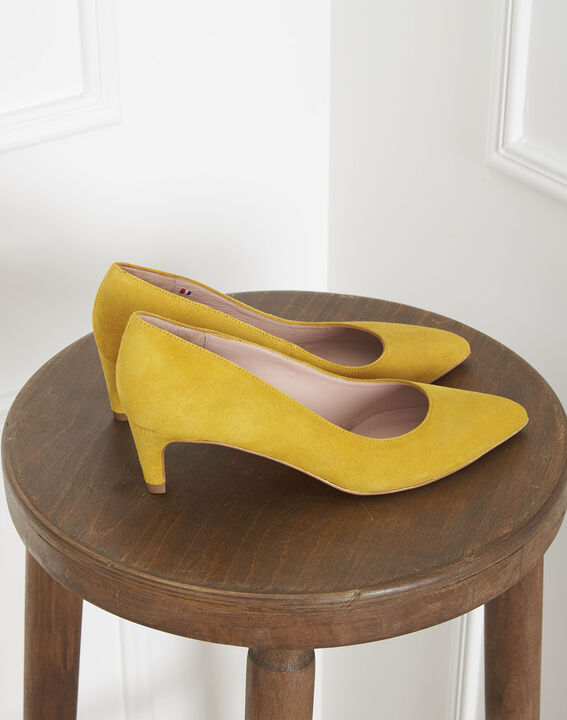 Gele pumps van veloursleder Lili PhotoZ | 1-2-3