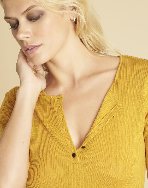 Pull ocre maille fine encolure boutonnée Basso (3) - 1-2-3