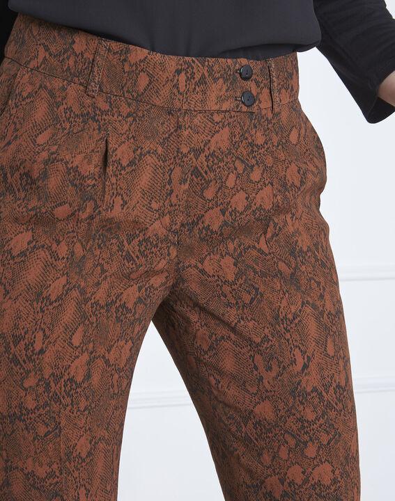 Pantalon acajou imprimé serpent Gerende (3) - Maison 123