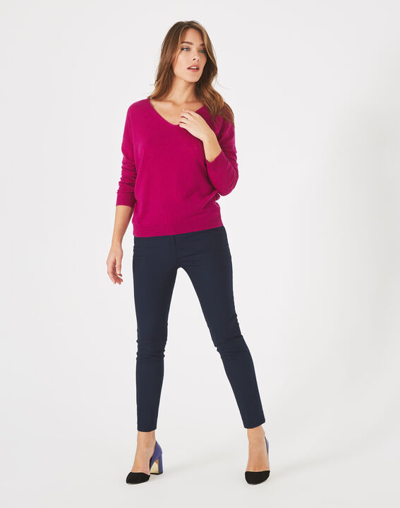 Piment fuchsia cashmere sweater with V-neck PhotoZ | 1-2-3