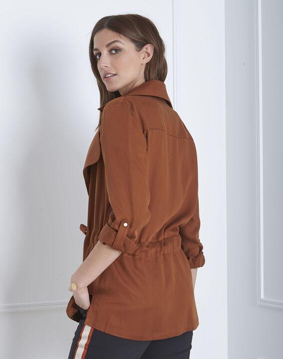 Fließende, mahagonifarbene Jacke mit Ösen-Details Felicita (4) - Maison 123