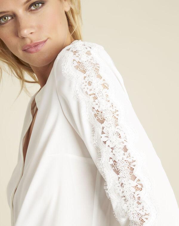 Ecru blouse met kanten inzetstukken Claudia (2) - 37653