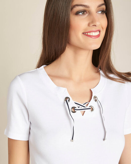 Evidence white T-shirt with rounded neckline and eyelets (1) - 1-2-3