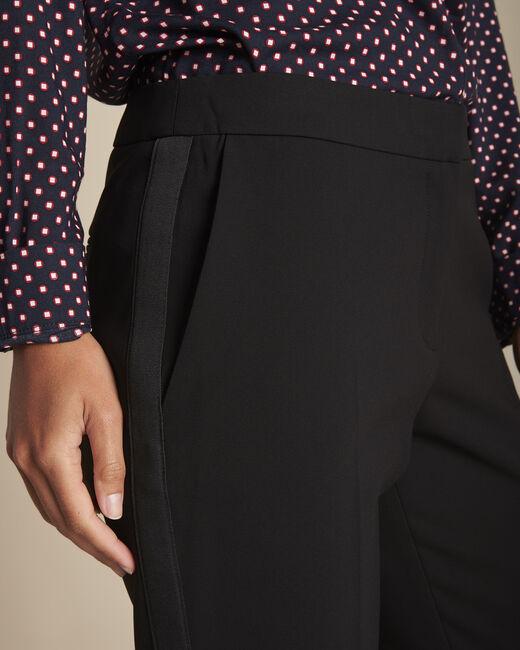 Pantalon noir et sa bande latérale microfibre Suzanne (2) - 1-2-3