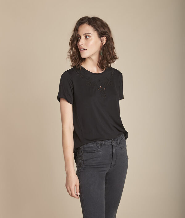 Schwarzes T-Shirt Ausschnitt mit gestickten Lochmuster-Details Chypre PhotoZ | 1-2-3