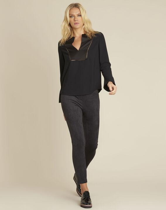 Zwarte blouse met decoratieve halslijn Carole (2) - 37653