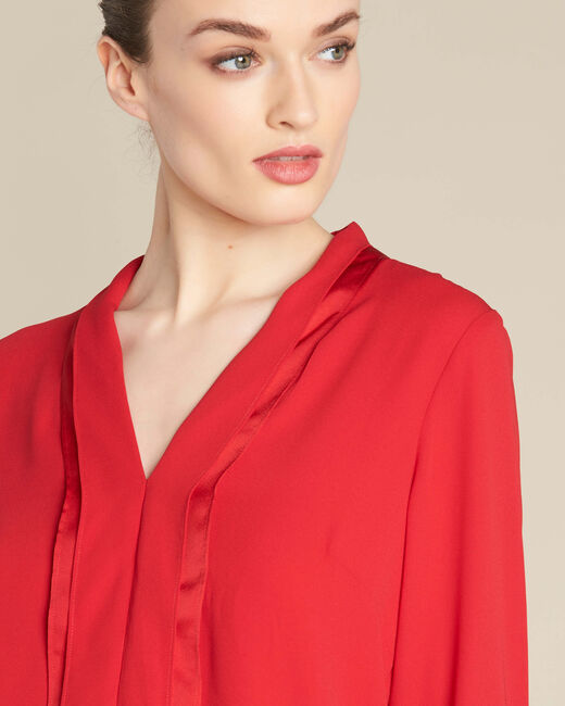 Elea red blouse with romantic neckline (1) - 1-2-3