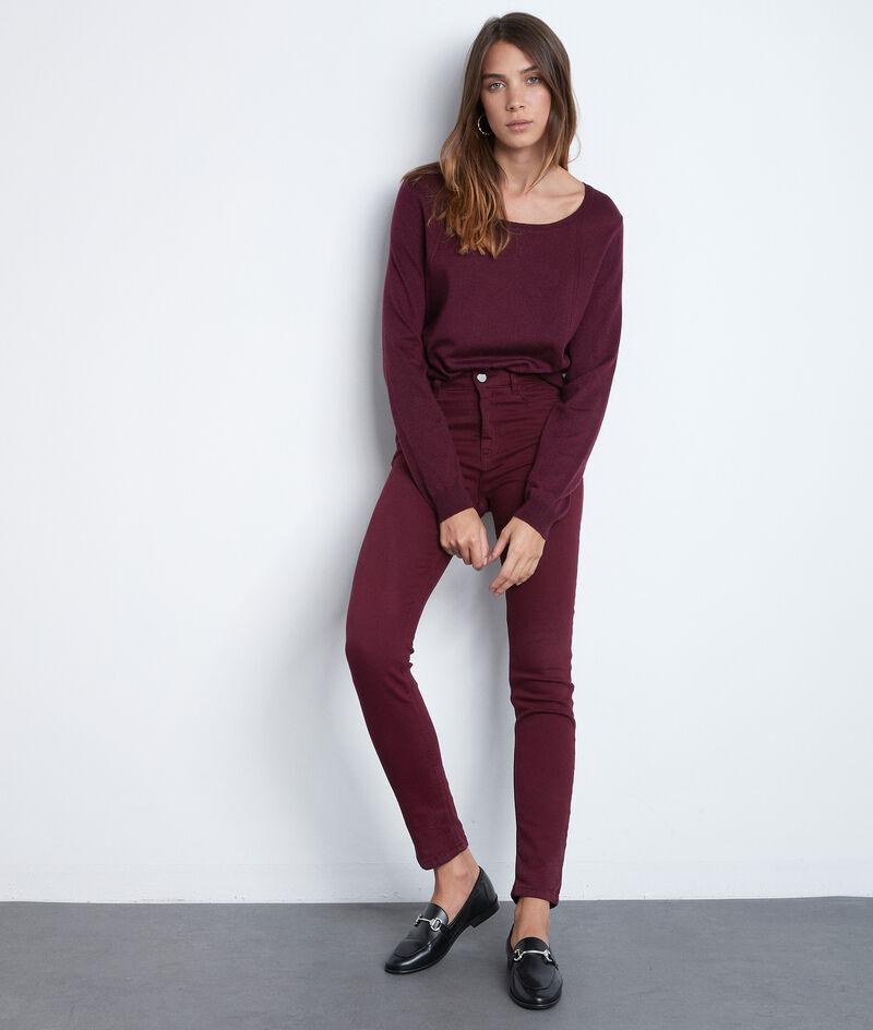 Die ikonische Slim Fit Suzy aus Bio-Baumwolle bordeauxrot  PhotoZ | 1-2-3