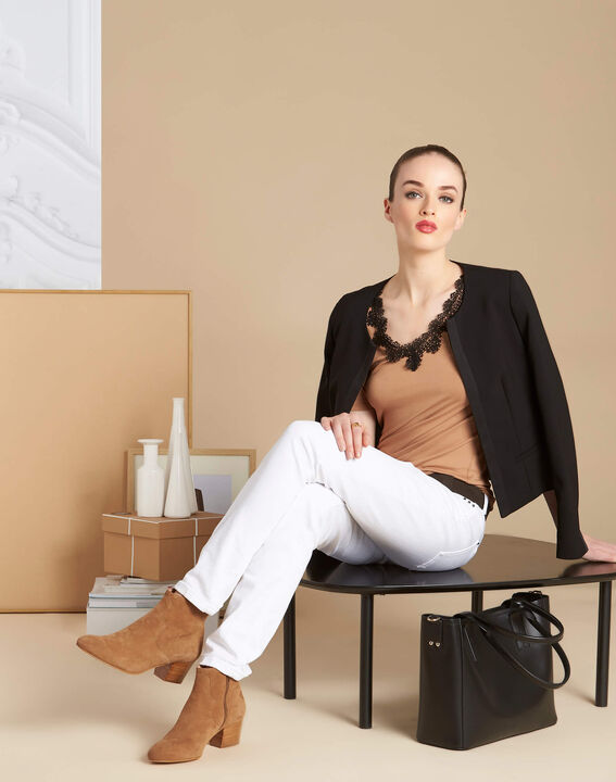 Eloge camel T-shirt with rounded lace neckline (2) - 1-2-3