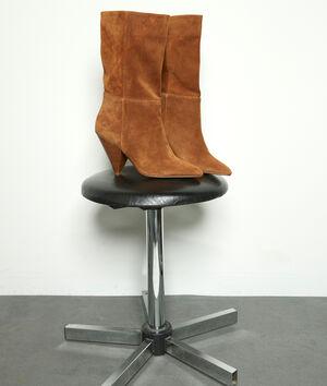 Boots à talons en cuir velours souple camel Hedwige