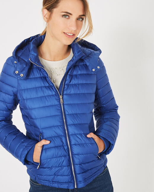 Louise short quilted jacket in royal blue with a rounded collar (2) - 1-2-3