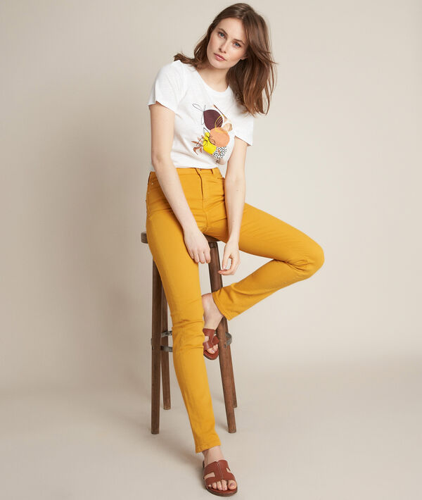 L'iconique slim : jean ocre Suzy  PhotoZ   1-2-3