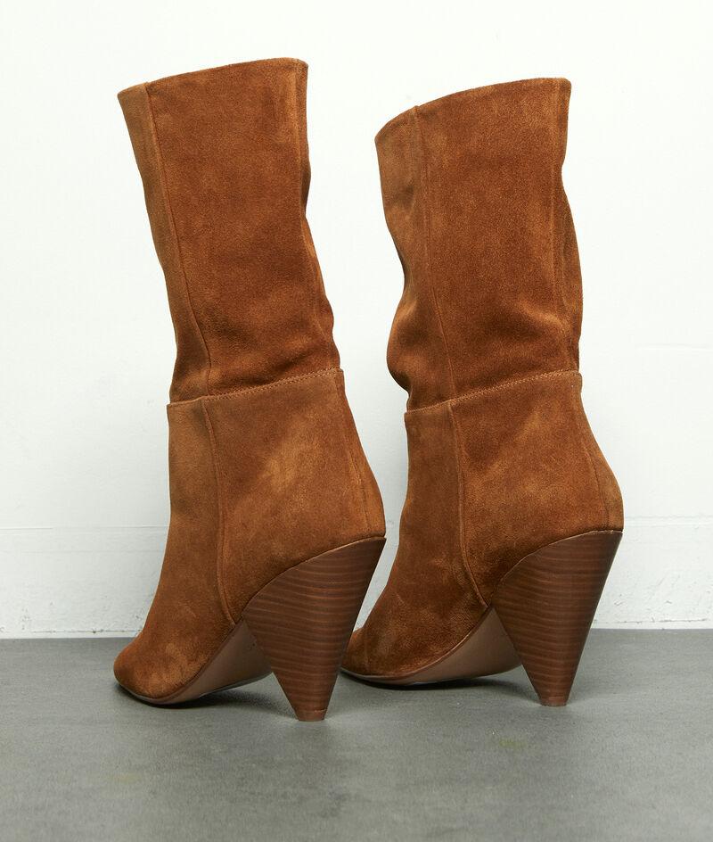 Boots à talons en cuir velours souple camel Hedwige PhotoZ | 1-2-3