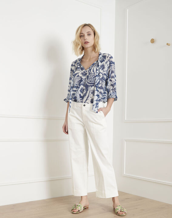 Kurze Jeans, ecrufarben, ausgestellt Carla PhotoZ | 1-2-3